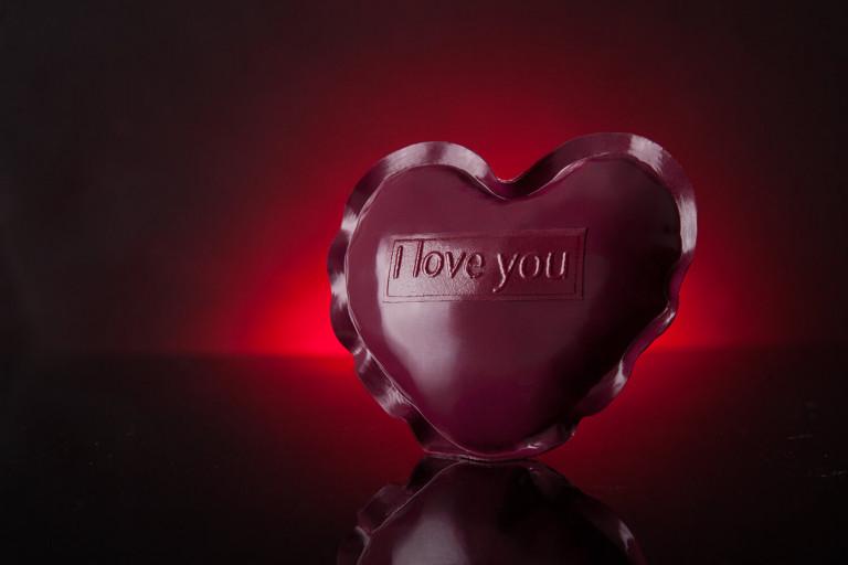 """Rotes Herz aus Latex mit """"I love You"""" Prägung"""