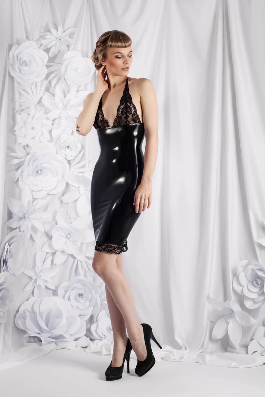 Zuschnitt Kleid Ilaria aus Spitze und Latex von Lüllepop Latexcouture